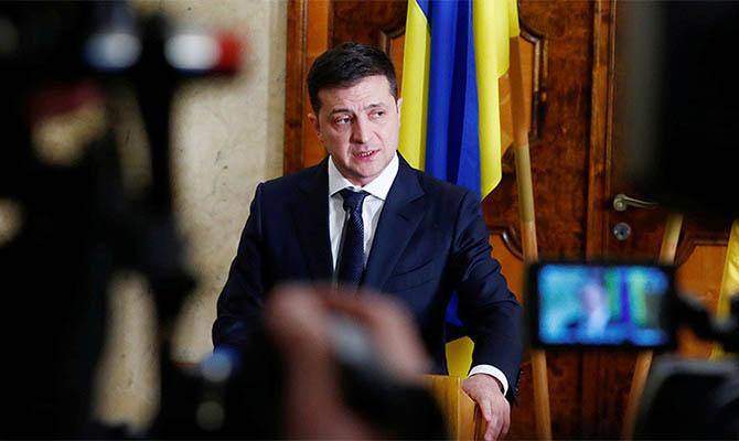 Президент призвал украинцев в 2020 году ежедневно быть единой страной