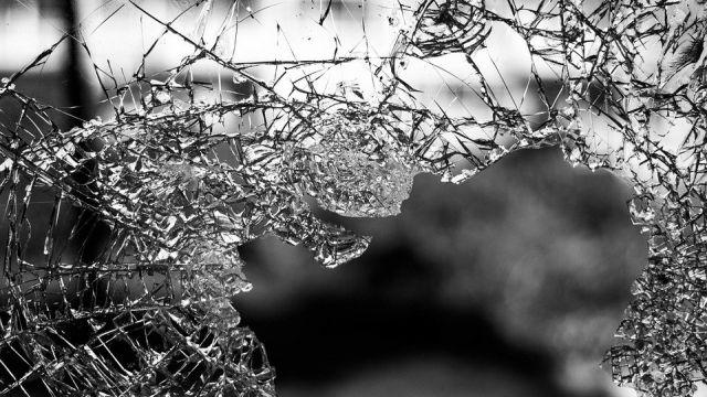 Водитель BMW погиб в ДТП с автобусом в Алматы