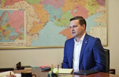 В уряді заявили, що концесію аеропорту «Чернівці» вивчають у Світовому банку