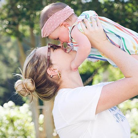 Кейт Аптон с дочерью Женевьевой