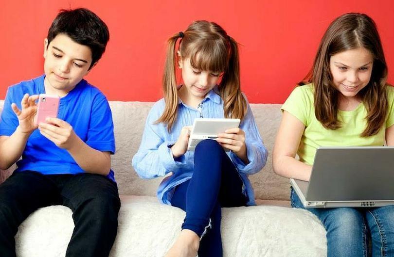 """""""Цифровая зависимость"""": чем гаджеты опасны для детей"""