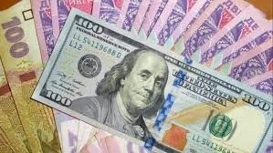 За год гривна укрепилась к доллару почти на 17%