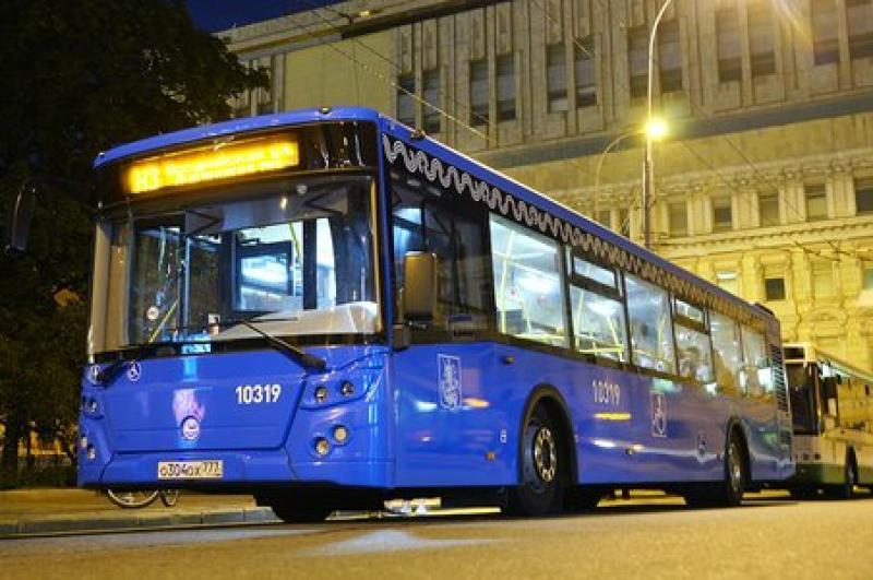 Маршрут автобуса в центре Москвы изменят для подготовки к Параду Победы