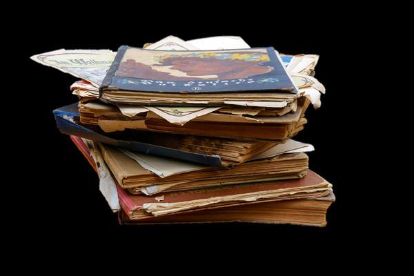 Старые журналы уже давно следовало перебрать
