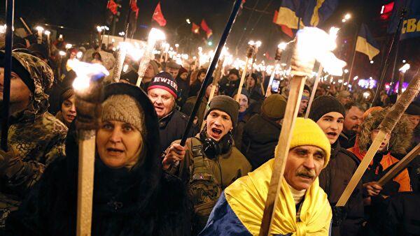 Глава Крыма назвал оскорблением памяти жертв нацизма факельный марш бандеровцев в Киеве
