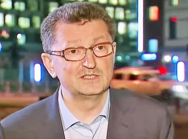 Суд потребовал от Мурсекаевых погасить ущерб зарплатой Совладельцы «ВИМ-Авиа» увезли в Лондон 29 млн рублей, выданных симим себе