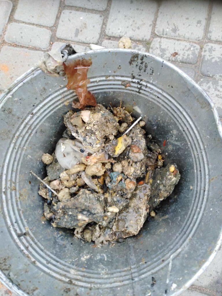 Бердянцы не умеют пользоваться канализацией?