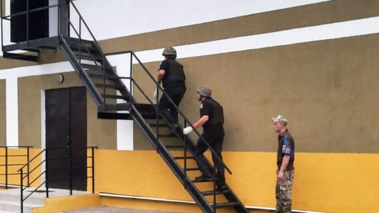 Взрыв на Десне: Следователи подозревают душегубство — фото 1