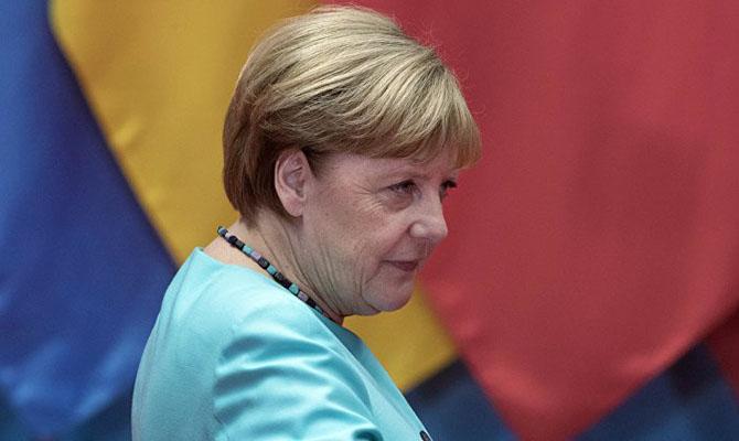 Лукашенко отказался говорить с Меркель
